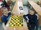 Uczniowie klasy III c graja w szachy_1