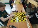 Uczniowie klasy III c graja w szachy_3