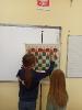Uczniowie klasy III c graja w szachy_8